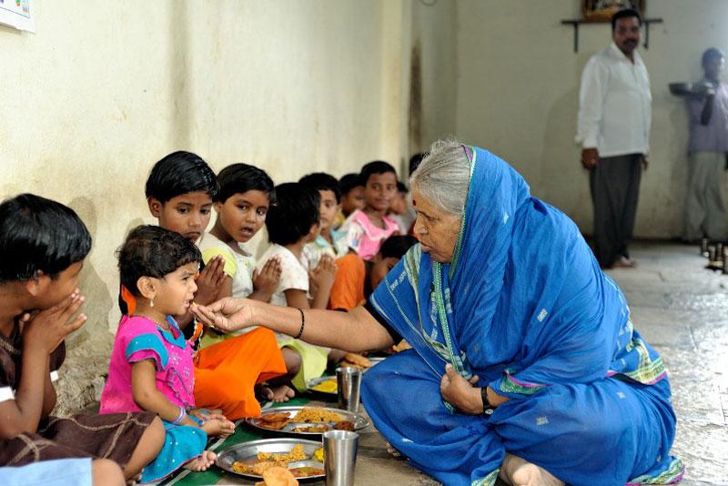 Photo Gallery | Sindhutail Sapkals Awards